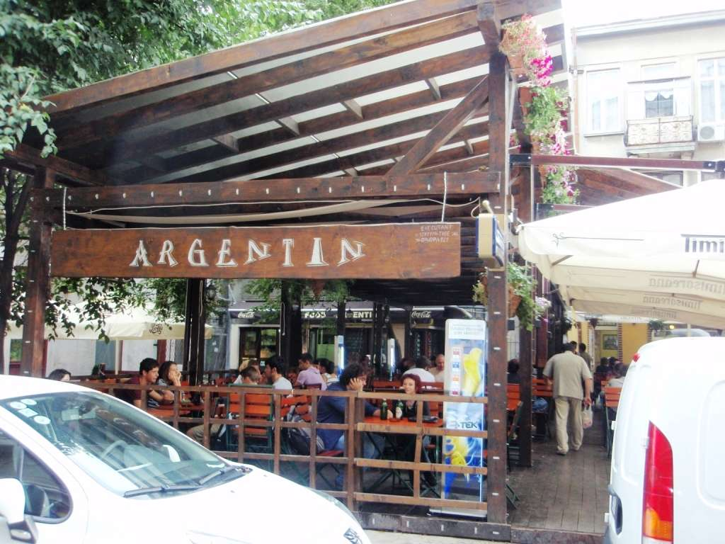 Argentin - terasa fast-food Centrul istoric