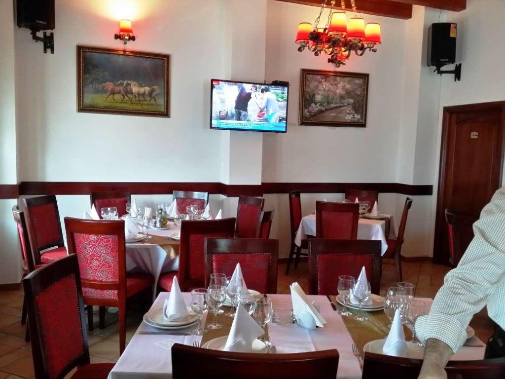 Restaurant libanez cu fete de masa impecabile