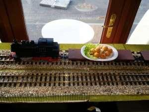 Royal Express de la Palatul Bragadiru din Bucuresti - restaurantul cu trenulet