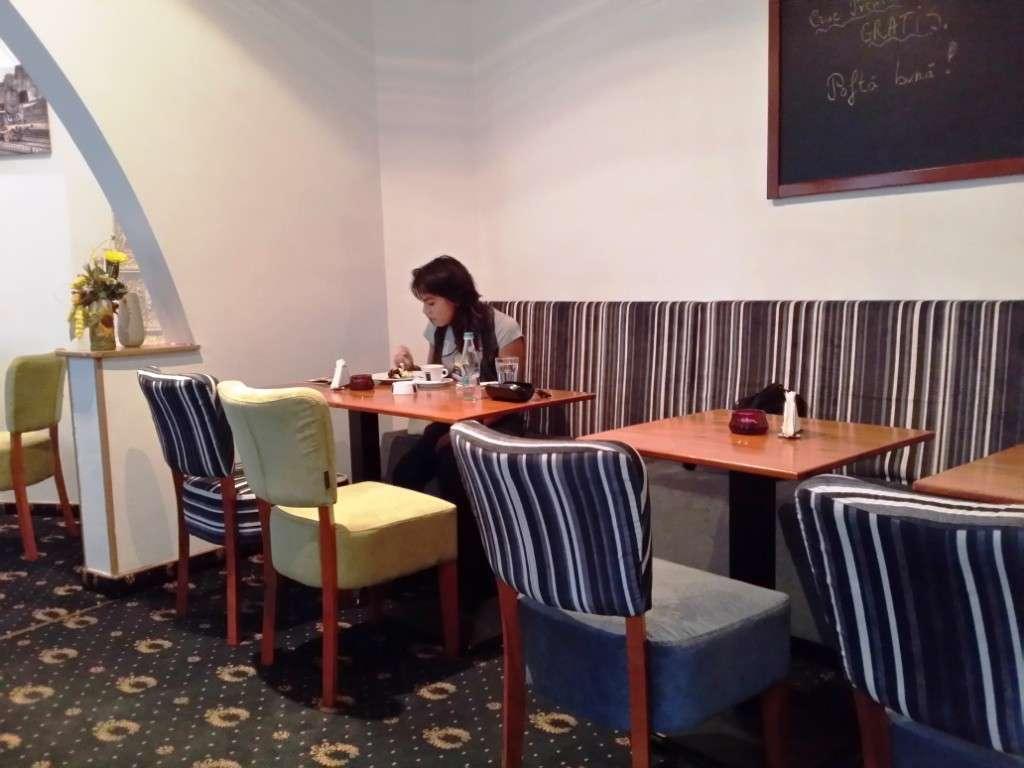 Peters Kitchen Bistro - restaurant englezesc in Piata Rosetti Bucuresti