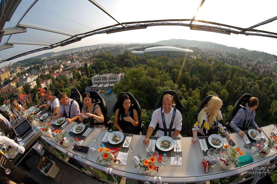 Dinner in the Sky 2015, Bucuresti // sursa foto: Facebook