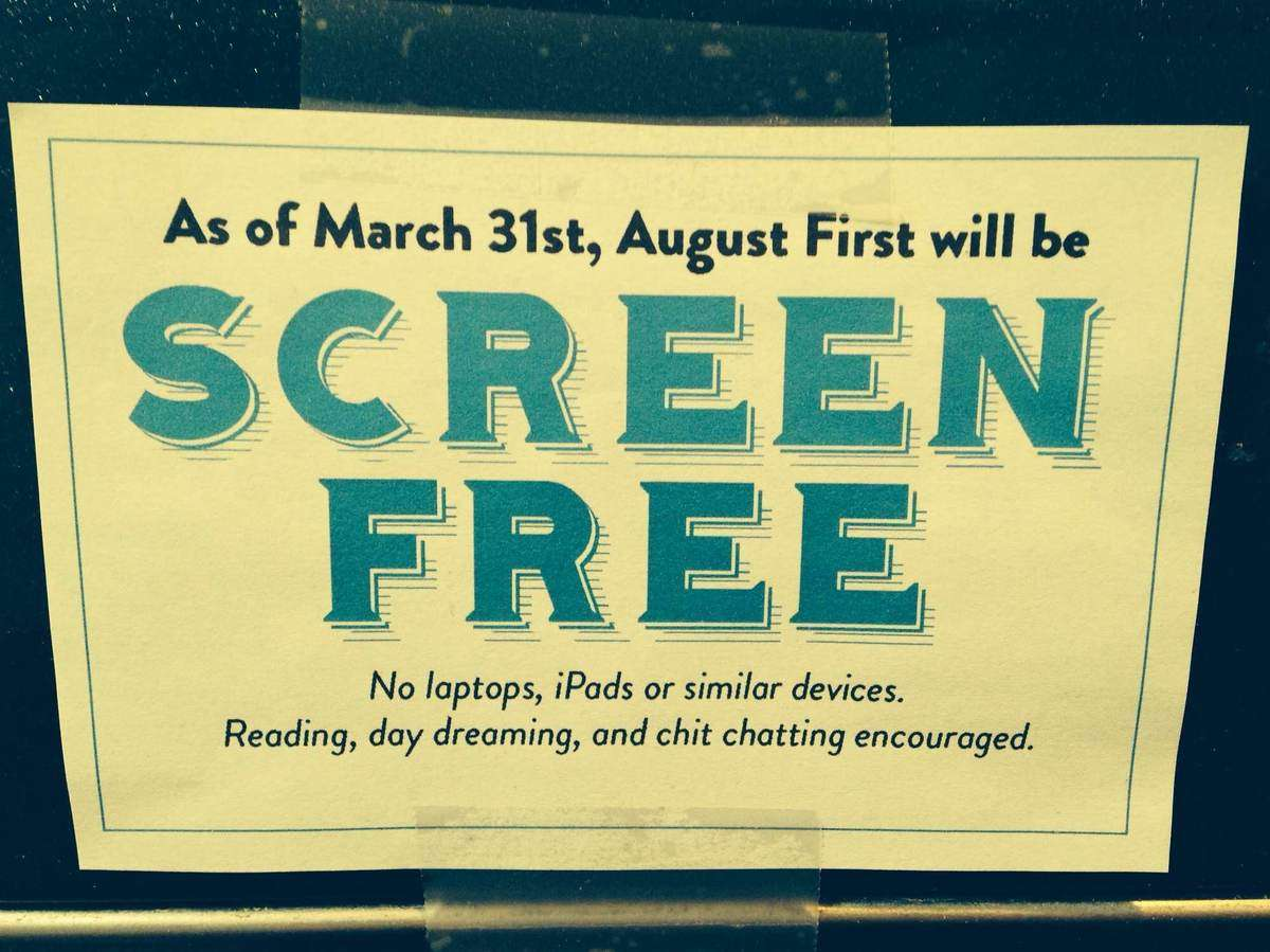 "Restaurante ""Screen free"" // sursa foto: npr.org"