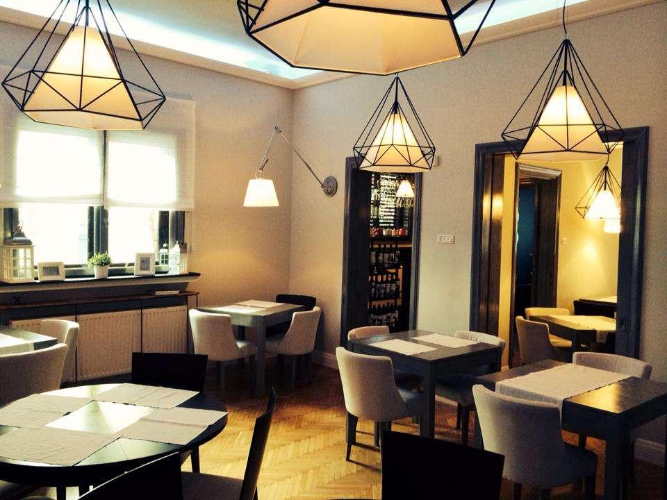 Restaurant Yardini de langa Cismigiu, amenajat intr-o casa veche, cu accesorii elegante