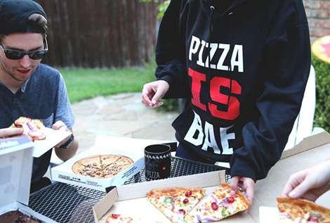 Colectia de haine Pizza Hut // sursa foto: pizzahut-2.myshopify.com