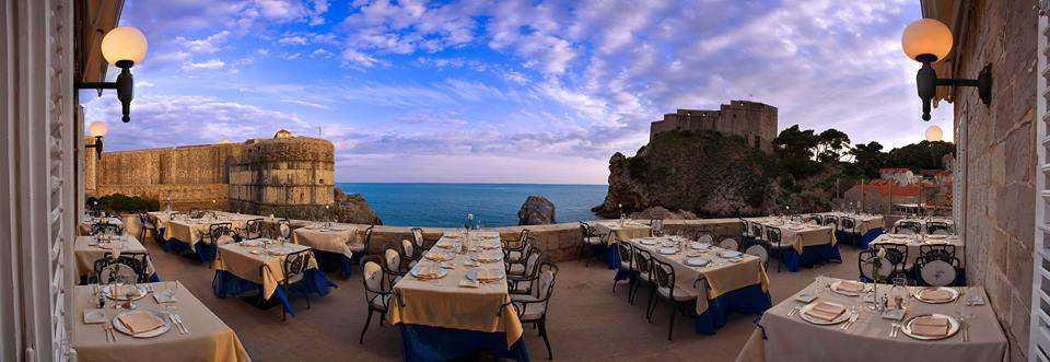 romantic restaurant nautika