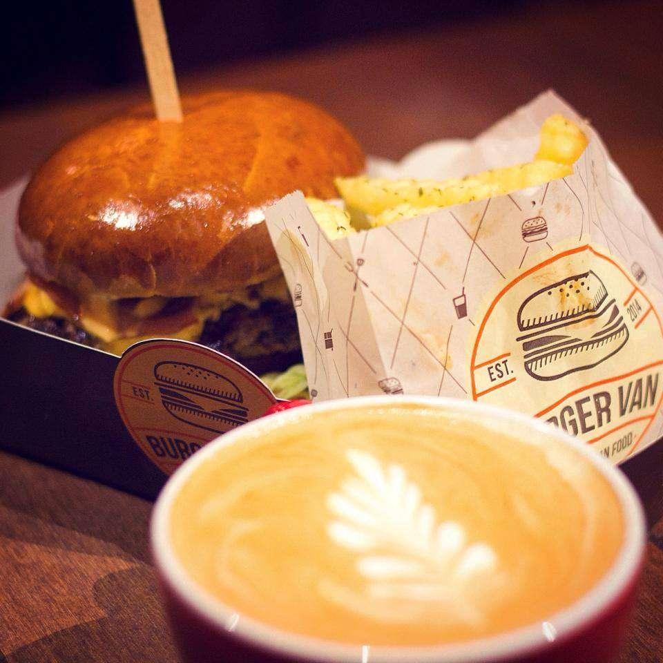 Burger Van // sursa foto: Facebook