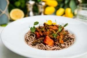 Spaghettini din hrisca cu vita si trufe